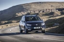 Dacia Sandero Stepway, front action 3