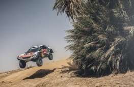 Peugeot 3008DKR Maxi, Dakar, 2018, dune jump