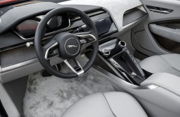 Jaguar I-PACE, 2017, dashboard