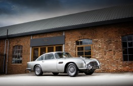 James Bond Aston Martin DB5, 1965, front