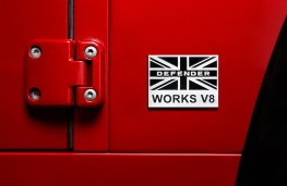 Land Rover Defender Works V8 70th Anniversary, 2018, badge 2