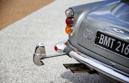 James Bond Aston Martin DB5, rear bumper