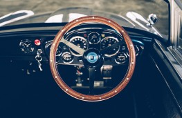Little Car Company Aston Martin DB5, 2021, steering wheel
