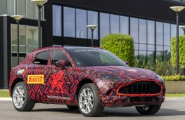Aston Martin DBX, 2020, front, St Athan production