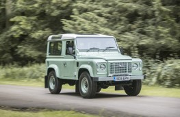 Land Rover Defender Heritage Edition 2015, action