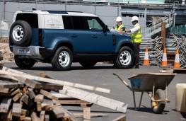 Land Rover Defender Hard Top, 2020, building site