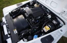 Land Rover Defender 90, engine