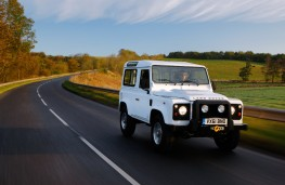 Land Rover Defender 90, front, action