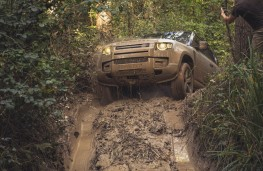 Land Rover Defender 90, 2020, off road, mud