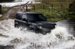 Land Rover Defender 90 V8, 2021, wading