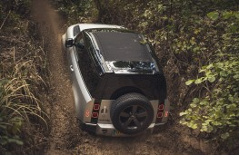 Land Rover Defender 90, 2020, off road, rear, mud