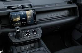 Land Rover Defender V8, 2021, Pivi Pro display