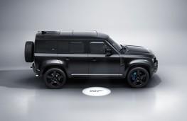 Land Rover Defender Bond Edition, 2021, side
