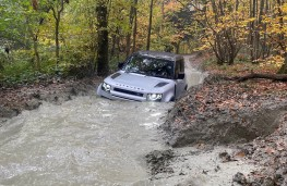 Land Rover Defender 90, 2020, off road, water