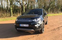 Land Rover Discovery Sport, front