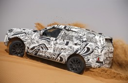 Land Rover Discovery, 2016, desert testing
