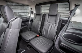 Land Rover Discovery Landmark, back seats