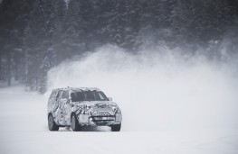 Land Rover Discovery, 2016, snow testing