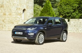 Land Rover Discovery Sport, front quarter