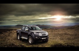 Isuzu D-Max Arctic Trucks AT35, front