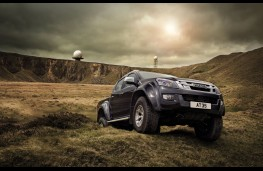 Isuzu D-Max Arctic Trucks AT35, action