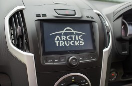 Isuzu D-Max Arctic Truck AT35, 2017, display screen