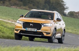 DS 7 Crossback front action