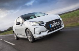 DS 3, front action