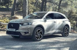 DS 7 Crossback E-Tense front threequarters