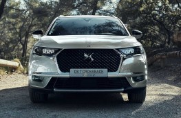 DS 7 Crossback E-Tense head on