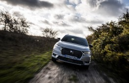 DS 7 Crossback E-Tense 4x4, 2019, front, off road