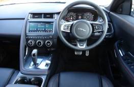 Jaguar E-Pace, dashboard