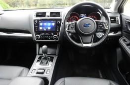 Subaru Outback, dashboard