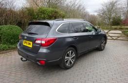 Subaru Outback, rear
