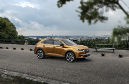 DS 7 Crossback, side, static