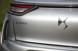 DS 3 Crossback E-Tense, 2019, tailgate badge