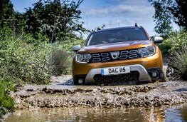 Dacia Duster, 2018, front, wading