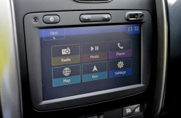 Dacia Duster, 2016, display screen