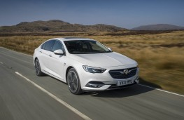 Vauxhall Insignia Grand Sport Elite, 2017, front