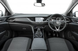 Vauxhall Insignia Grand Sport Elite, 2017, interior