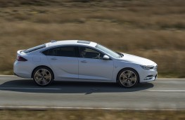 Vauxhall Insignia Grand Sport Elite, 2017, side, action