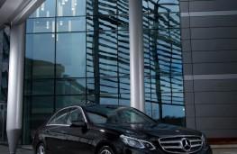 Mercedes E-Class, front