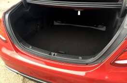 Mercedes-Benz E220 d, boot