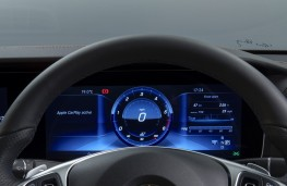 Mercedes-Benz E220 d, instrument panel