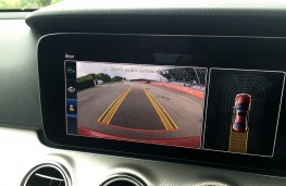 Mercedes-Benz E220 d, reversing camera