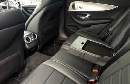 Mercedes-Benz E220 d, rear seats