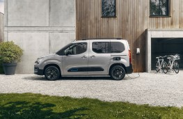 Citroen e-Berlingo, 2021, side, charging