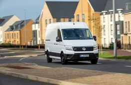Volkswagen e-Crafter, 2019, front, action