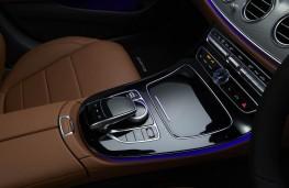 Mercedes-Benz E 220d AMG Line, 2016, console