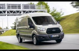 Ford Transit EcoBlue, front